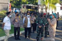 Panglima: TNI-Polri bantu lacak kontak pasien COVID-19 di perkampungan
