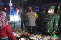 Bupati Bogor dorong pelonggaran sektor usaha kecil pada PPKM Level 4