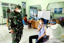 Lanal Banjarmasin vaksinasi 7.348 warga Kalimantan Selatan