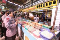 Kapolri ingatkan komunitas pasar patuhi prokes agar level PPKM turun