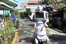 """Warga Tembok Gede Surabaya rakit \""""Robot Delta\"""" penyemprot disinfektan"""