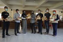 Pengusaha kafe di Sleman beri bantuan nakes di selter isoter