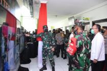 Panglima TNI tinjau tempat isolasi di Puskesmas Porong