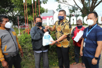 Pelaku usaha salurkan bantuan untuk warga terdampak COVID-19 di Malang