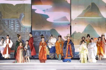 Kaum muda China hidupkan kembali mode pakaian Hanfu