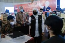 Tenaga kesehatan di Kota Malang mulai terima vaksin dosis ketiga