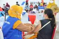 Masyarakat antusias ikuti vaksinasi massal di Unhas