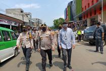 Wakapolda Jabar meninjau pelaksanaan prokes di Pasar Kota Bogor