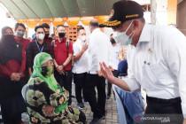 Timbulkan kerumunan, Menko PMK kritik penyaluran bansos di Kantor Pos