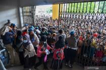 Antrean vaksinasi di Medan