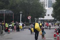 China gelar tes PCR massal di Wuhan, warga antisipasi lockdown