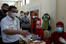 Wagub: Jakarta tak batasi warga dapatkan vaksin