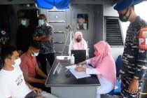 TNI AL lakukan vaksinasi di atas kapal