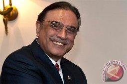 Tuduhan korupsi, mantan presiden Pakistan Zardari ditangkap