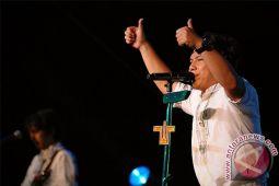 Band Wali adopsi tukik penyu