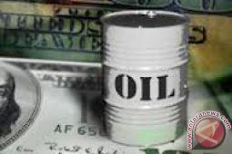 Harga minyak menguat setelah persediaan AS dilaporkan turun