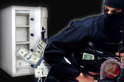 Dua perampok bercadar gasak uang Rp50 juta dan sekap pemilik rumah