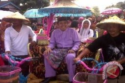 Bangka Barat ajak warga lestarikan pesta adat Desa Kacung