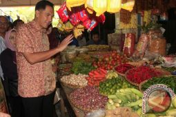 Mendag tinjau harga bahan pokok di Ambon