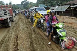 37 kilometer jalan provinsi Sultra rusak parah