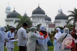 Haji - Enam Calon Haji Aceh Gagal Berangkat