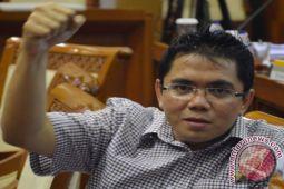 DPR: UU Ormas untuk pengaturan lebih lanjut