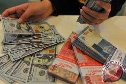 Rupiah ditransaksikan Rp13.523 per dolar AS pada Senin sore