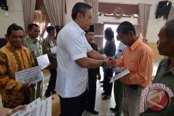Pemkab Pakpak Bharat Salurkan Bantuan Untuk Gereja