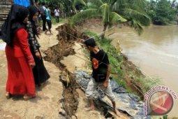 Tanggul sungai Alas di Aceh Tenggara jebol