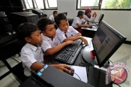 Purwakarta bangun jaringan internet hingga pelosok desa
