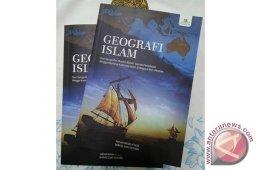 Mahasiswa UIN Luncurkan Buku Geografi Islam