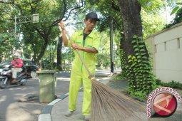 Tingkatkan kesejahteraan, Pemkab Bangka Selatan naikkan honor petugas kebersihan