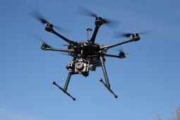 Terbangkan drone, perhatikan aturan ini