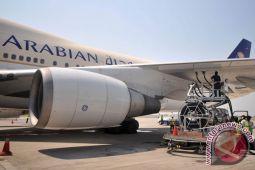 Pesawat Saudi mendarat darurat, 53 orang terluka
