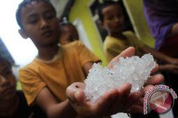 BMKG jelaskan penyebab hujan es Kotawaringin Timur