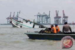 KM Air Intan tenggelam karena bocor
