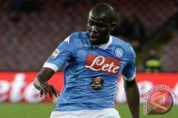 Napoli gagal ke puncak klasemen usai ditahan Fiorentina