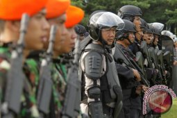 Ratusan prajurit TNI disuntik vaksin difteri