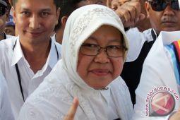 Risma berbagi pengalaman pimpin Surabaya