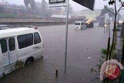 Jalur Berastagi-Kabanjahe Terendam Banjir