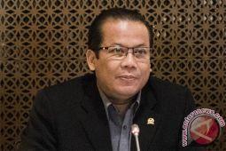 DPR: dukungan pemerintah perluas cakupan uang elektronik