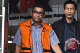 KPK akan periksa tiga lagi saksi kasus korupsi DPRD Jatim