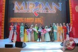 Menarik Perhatian Pecinta Fashion Melalui Songket Medan