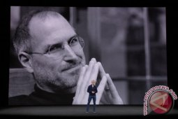 Apple-1 dan tanda tangan Steve Jobs dilelang
