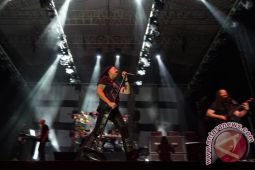 Kala Dream Theater napak tilas legenda Bandung Bondowoso
