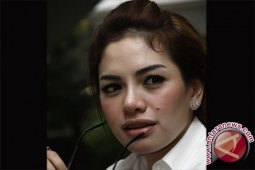 Nikita Mirzani kini berstatus terdakwa setelah berkas dilimpahkan ke pengadilan
