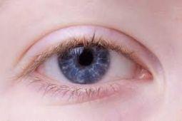 Perempuan lebih rentan alami mata kering, ini alasannya