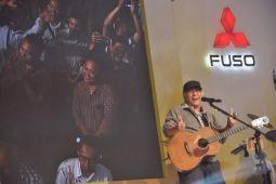 Iwan Fals nikmati jalan darat konser Sumatera