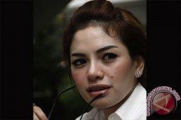 Nikita Mirzani dijemput paksa oleh aparat terkait kasus penganiayaan