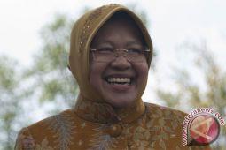 Belasan warga Surabaya tolak Risma jadi cawagub